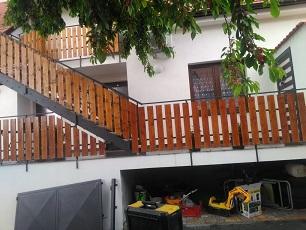 Zábradlí s dřevěnou výplní